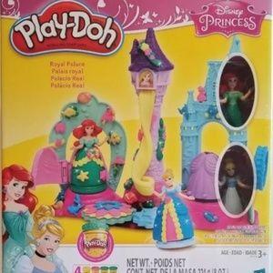 Play-Doh Royal Palace Playset Featuring Disney